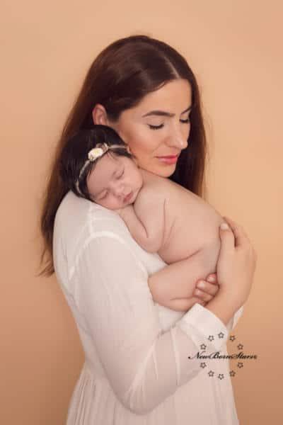 Newborn met moeder
